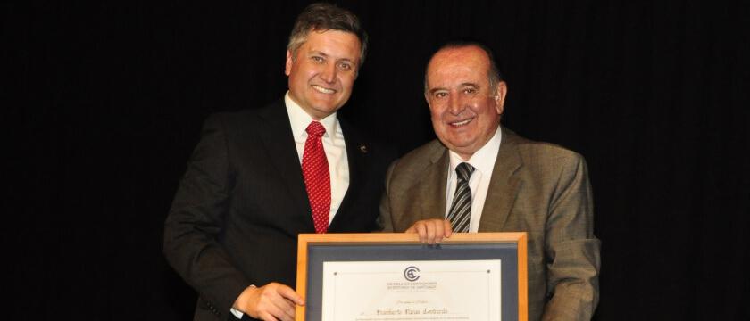 Fallecimiento profesor don Humberto Varas