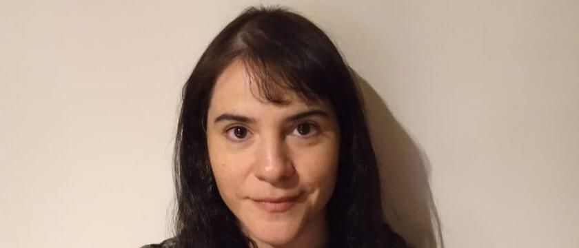 """Rocío Gómez: """"La revista es un reflejo de los estudiantes porque trata de tocar temas de su interés y se adapta a sus necesidades y actividades virtuales""""."""